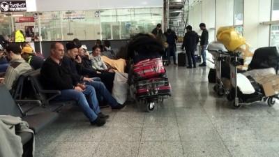 ucak bileti - Bilet alamayan Kolombiyalı dansçılar havalimanında bekliyor - İSTANBUL