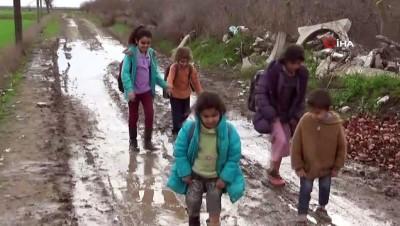 muslu -  Öğrencilerin çamurlu okul yolculuğu