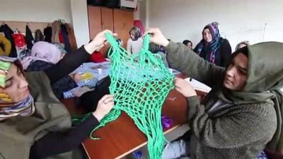 AK Parti'li kadınlar atık kumaştan bez çanta yaptı - BİNGÖL