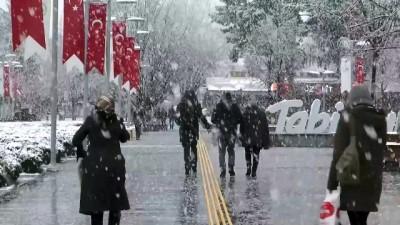 Kar yağışı etkili oluyor - BOLU