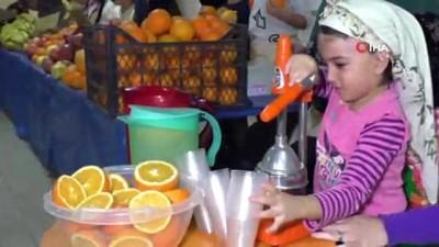 Miniklerin pazarında renkli görüntüler