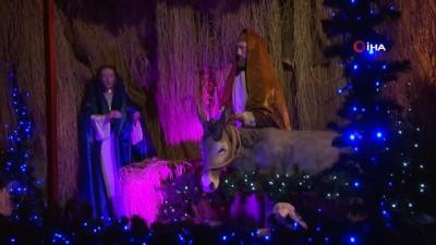 Saint Antuan Kilisesi'nde Noel Ayini