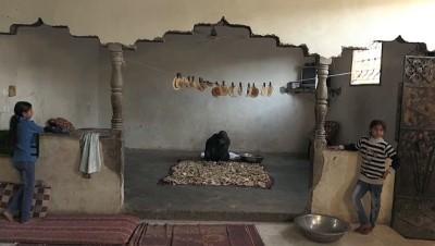 Gazzeli kadın ekmek kırıntılarını satarak ailesine bakıyor - GAZZE