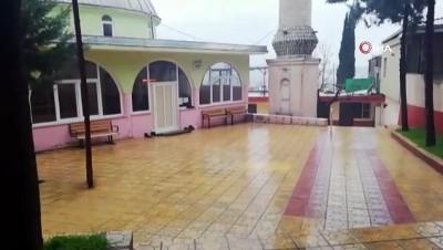 cami imami -  - İki günlük bebeği cami avlusuna bıraktılar
