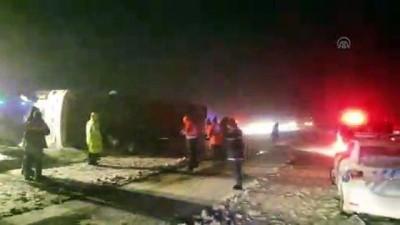 Kırşehir'de yolcu otobüsünün devrildi (1) - KIRŞEHİR
