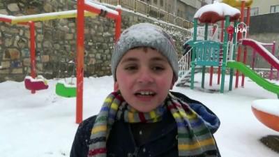 Bayburt'ta kar tatili çocukları sevindirdi