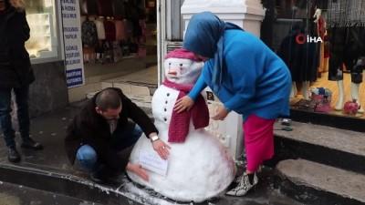 grup genc -  Bu kardan adamın yüzü gülmüyor