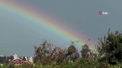Antalya'da beliren gökkuşağı hayran bıraktı