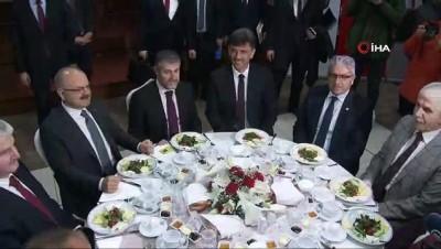 Hazine ve Maliye Bakan Yardımcısı Nurettin Nebati Eskişehir'de iş adamlarıyla buluştu
