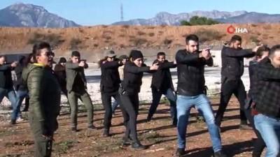 Antalya'nın kadın polisleri Poligonda erkek meslektaşlarına taş çıkartıyor