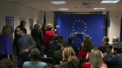 AB Komisyonunun Genişlemeden Sorumlu Üyesi Hahn Kosova'da - PRİŞTİNE