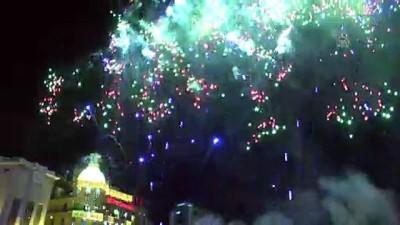 Lübnan'da yılbaşı kutlamaları erken başladı - BEYRUT