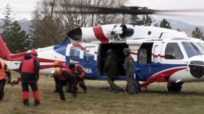 helikopter - Niğde'de bir dağcının çığ altında kalması