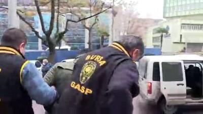 guvenlik kamerasi - Bıçaklı soygun zanlısı, güvenlik kameralarından tespit edildi - BURSA