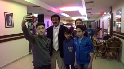 Kastamonulu Müslüm Baba 'Müslüm' filmini izledi