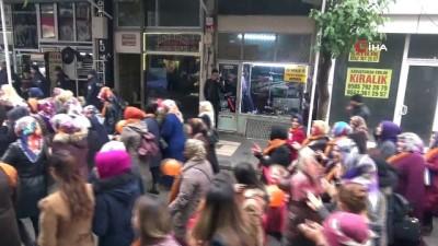 Kilis'te kadınlar 'şiddete hayır' diyerek meydanlara indi
