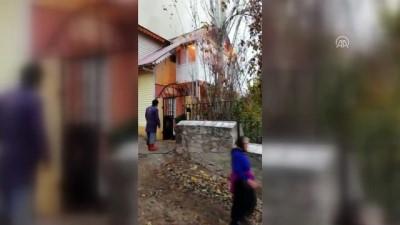itfaiye araci - Suşehri'nde ev yangını - SİVAS