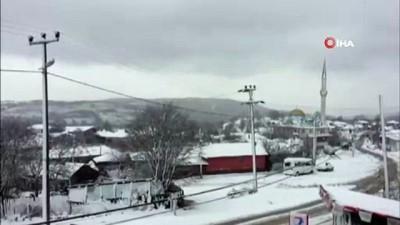 Bandırma ve Gönen'e mevsimin ilk karı düştü