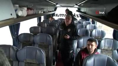 Bilet alamayınca otobüsü rehin aldı
