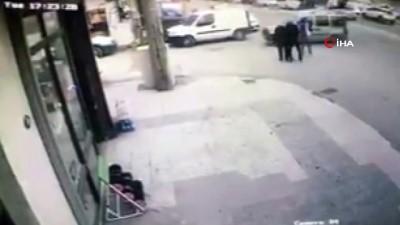 guvenlik kamerasi -  İki yunus polise böyle çarptı