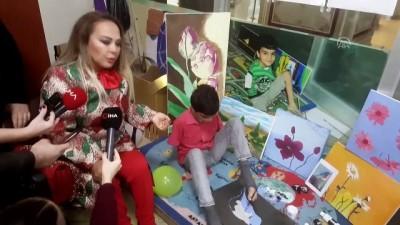 Sanatçı Safiye Soyman engellilerle buluştu - İSTANBUL