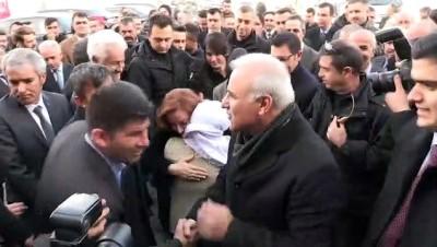Vali Murat Zorluoğlu Vanlılarla vedalaştı - VAN