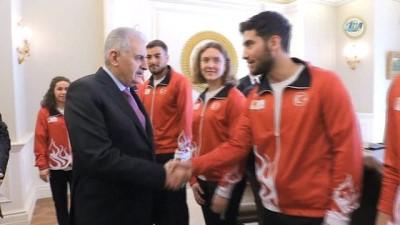 Başbakan Yıldırım, milli sporcuları kabul etti