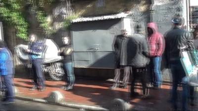 Taksim'de metruk binada dövüş köpekleri bulundu