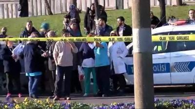 Üsküdar'de otobüs durağa daldı: 3 ölü