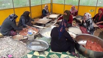 Afrin'deki kahraman mehmetçiğe yöresel yemekler gönderildi