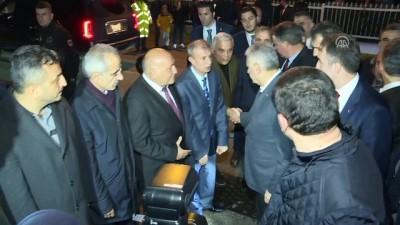 Başbakan Yıldırım, şehit ailelerine taziye ziyaretinde bulundu - İZMİR