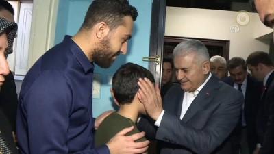 Başbakan Yıldırım, Şehit Jandarma Astsubay Öz'ün ailesine taziye ziyaretinde bulundu - İZMİR