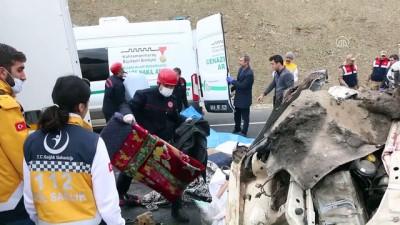 GÜNCELLEME - Minibüs kamyona çarptı: 9 ölü, 7 yaralı - KAHRAMANMARAŞ