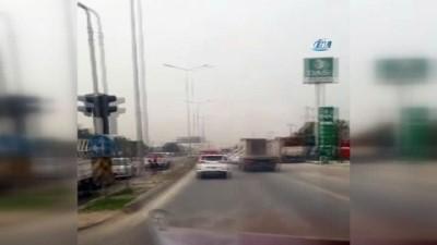Jeep ile trafikte boru taşımacılığı