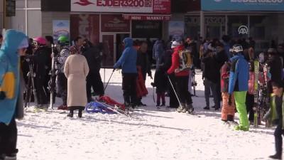 Palandöken'de hafta sonu kayak keyfi - ERZURUM