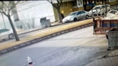 Sivas'ta kapkaç anı güvenlik kamerasında