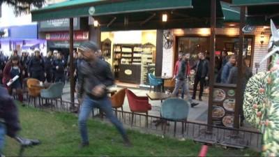 Antalya'da izinsiz gösteriye polis müdahalesi
