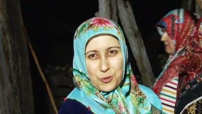 Sakarya'da köylüler Afrinde görev yapan Mehmetçiğe Uğut tatlısı hazırlıyor