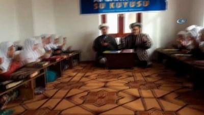 - Afganistan'dan Cumhurbaşkanı Erdoğan'a Ve Türk Ordusuna Dua - İhlas Vakfı, Afganistan'da Kur'an-ı Kerim Kursu, Medrese Ve Su Kuyusu Açtı