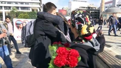 Sevgililer Günü'nde pankartlı evlenme teklifi - İZMİR