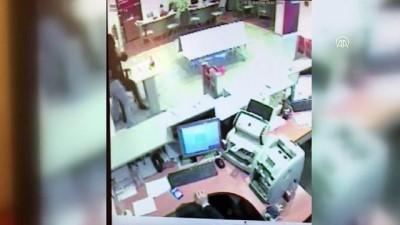 Üsküdar'da banka soygunu - Güvenlik kamerası - İSTANBUL