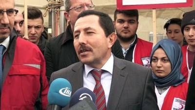 Vali Balkanlıoğlu kanser hastası Utku için kan verdi - SAKARYA