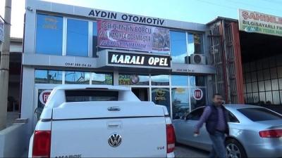 Yedek parçacıdan Afrin şehidini icraya veren avukata pankartlı tepki