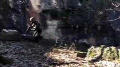 Diyarbakır'da iki sığınak ve 11 mağara kullanılamaz hale getirildi