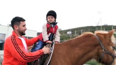 Engelli çocuklara atlı terapi - SAMSUN