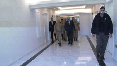 Jandarma Genel Komutanı Arif Çetin, Van'da esnafla bir araya geldi
