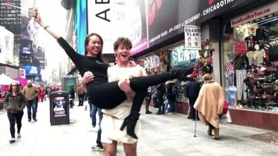 Times Meydanı'nda Sevgililer Günü kutlandı - NEW YORK