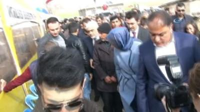 Aile ve Sosyal Politikalar Bakanı Kaya, şehit ailelerini ziyaret etti