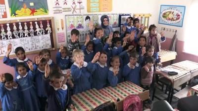 Bakan Kaya Yılanca Karapınar İlkokulunu ziyaret etti - KİLİS