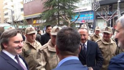 Jandarma Genel Komutanı Orgeneral Arif Çetin Siirt esnafını ziyaret etti